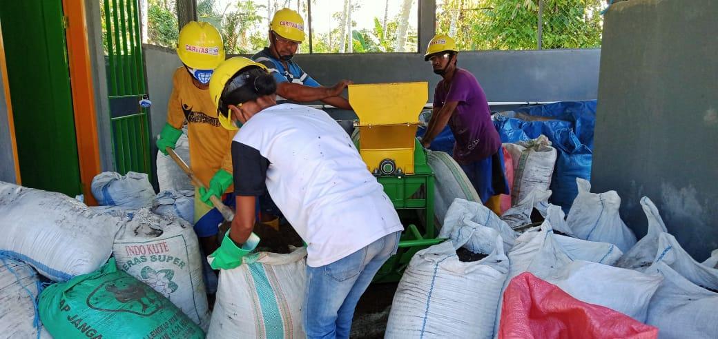 Produksi Pembuatan Pupuk Kompos